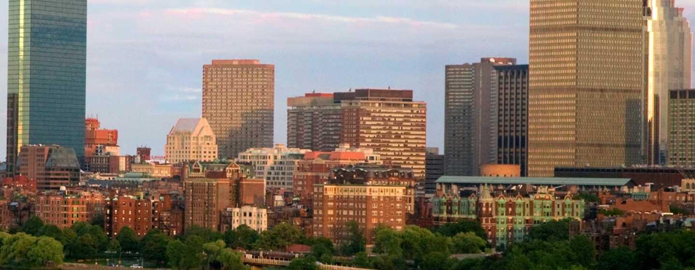 Embassy Suites Boston – at Logan Airport Hotel, Massachusetts, USA– Bostoner Innenstadt