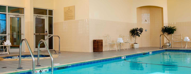 Embassy Suites Boston – at Logan Airport Hotel, Massachusetts, USA– Innenpool und Whirlpool