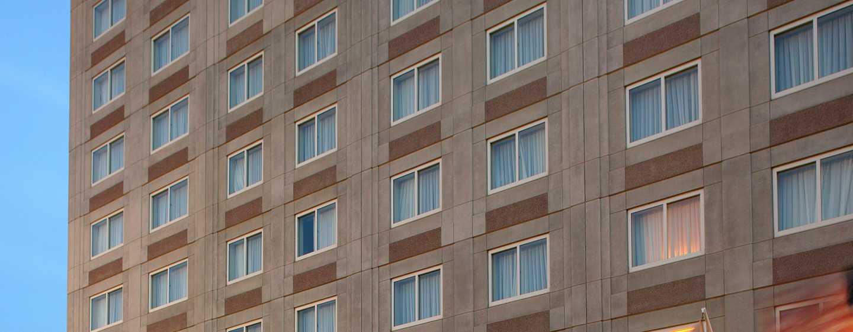 Embassy Suites Boston – at Logan Airport Hotel, Massachusetts, USA– Außenbereich des Hotels