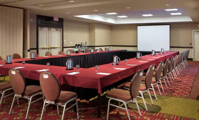 Embassy Suites Boston/Waltham Hotel, Massachusetts, USA – Meetingraum mit U-förmiger Bestuhlung