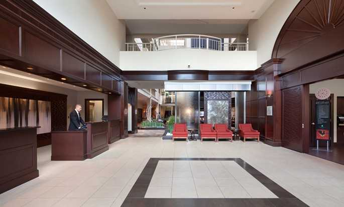 Embassy Suites Boston/Waltham Hotel, Massachusetts, USA – Empfangsbereich der Hotel-Lobby
