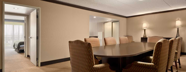 Embassy Suites Philadelphia – Airport Hotel, Pennsylvania, USA– Executive Suite