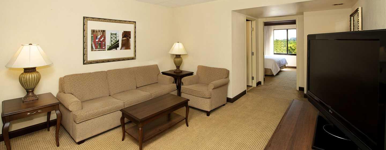 Embassy Suites Philadelphia – Airport Hotel, Pennsylvania, USA– Wohnbereich einer Suite