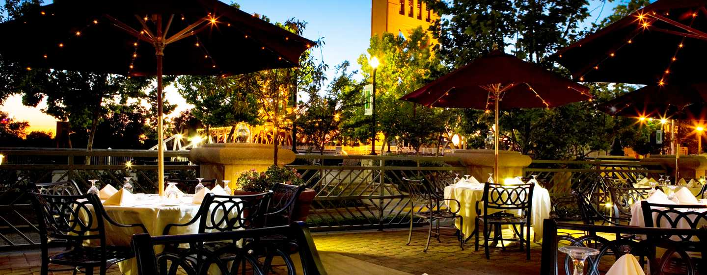 Embassy Suites by Hilton Sacramento Riverfront Promenade, USA – Tower Bridge Bistro
