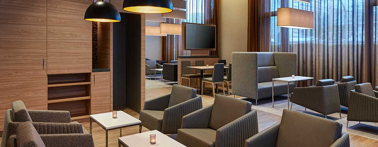 Hampton by Hilton Berlin City Centre Alexanderplatz Hotel, Deutschland – Lounge-Bereich