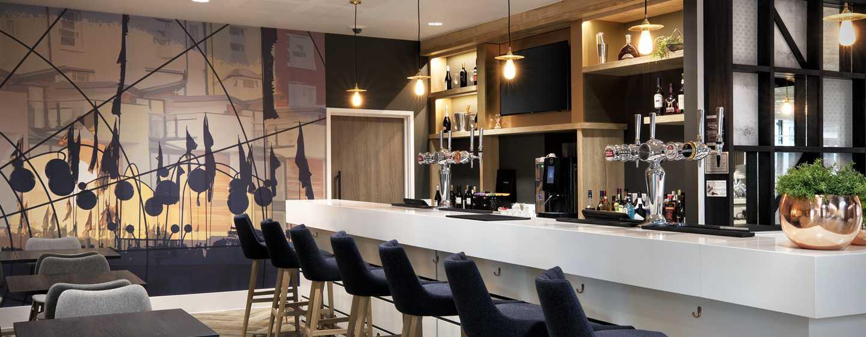 Hampton by Hilton Frankfurt Airport, Deutschland – Lobby-Bar