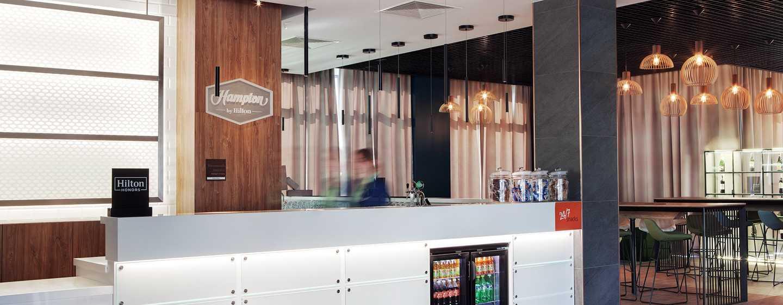 Hampton by Hilton Frankfurt Airport, Deutschland – Empfang