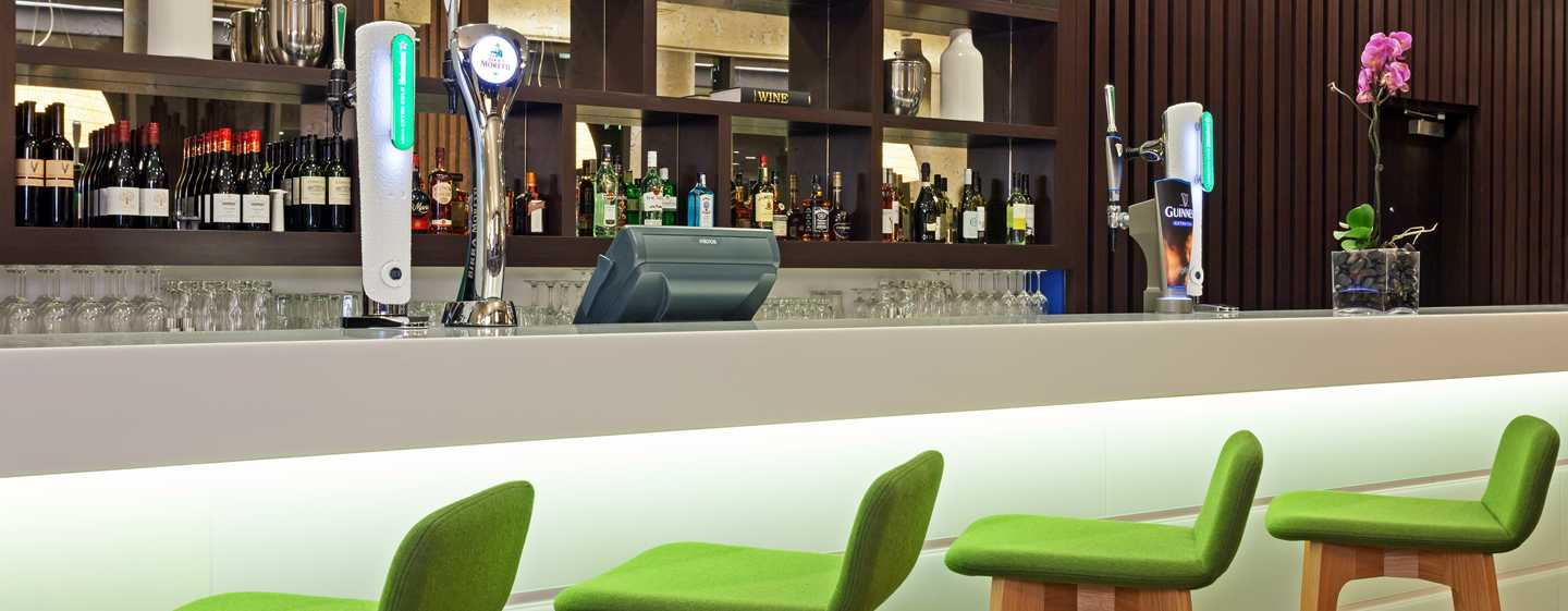 Hampton by Hilton London Waterloo Hotel, Großbritannien – Lobby-Bar