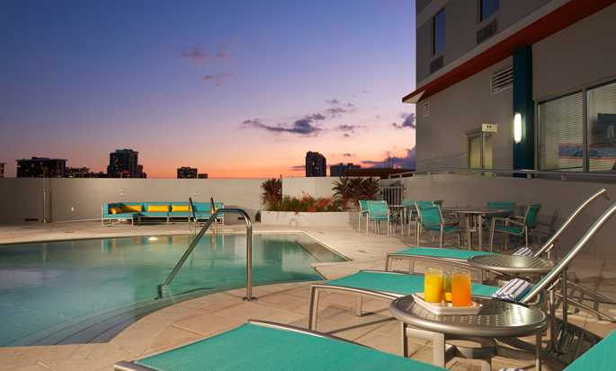 Hampton Inn & Suites Miami/Brickell-Downtown Hotel, FL – Außenpool