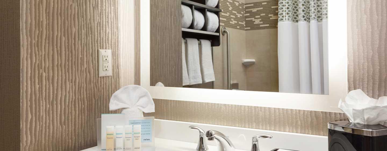 Hampton Inn Manhattan/Times Square Central Hotel, New York, USA– modernes Badezimmer