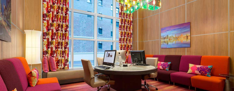 Hampton Inn Manhattan/Times Square Central Hotel, New York, USA– Business Center