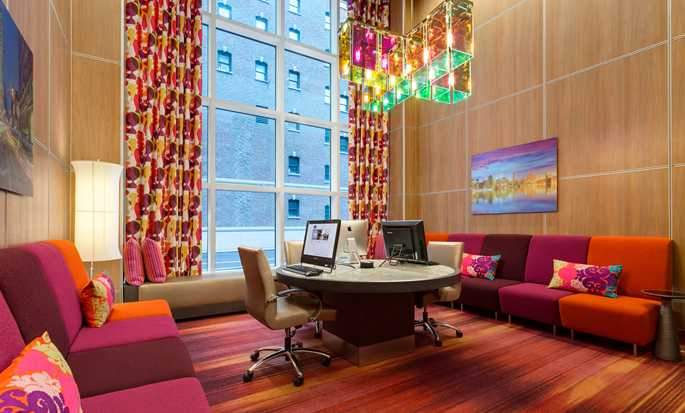 Hampton Inn Manhattan/Times Square Central Hotel, New York, USA – Business Center