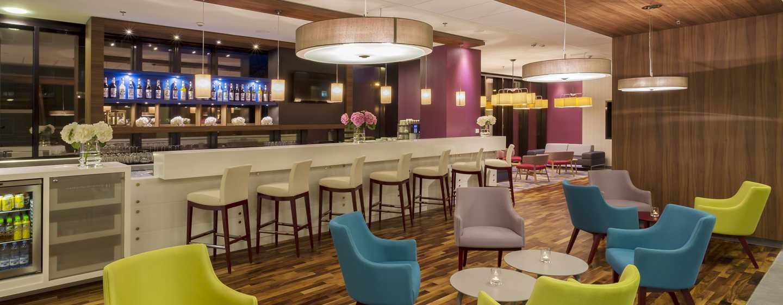 In der großen Bar können Sie sich zu einem leckeren Drink mit Freunden oder Kollegen treffen