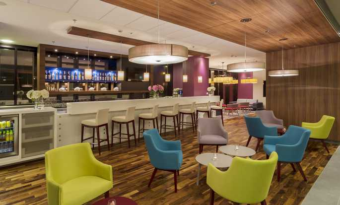 Hampton by Hilton Warsaw City Centre hotel - Bar