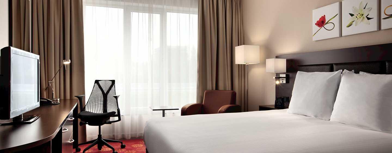 Hilton Garden Inn Leiden, Niederlande– Zimmer mit Queensize-Bett