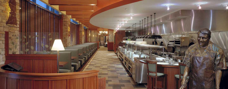 Hilton Garden Inn Chicago Downtown/Magnificent Mile Hotel, USA– Weber Grill