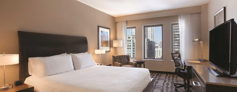 Hilton Garden Inn Chicago Downtown/Magnificent Mile Hotel, USA– Zimmer mit King-Size-Bett