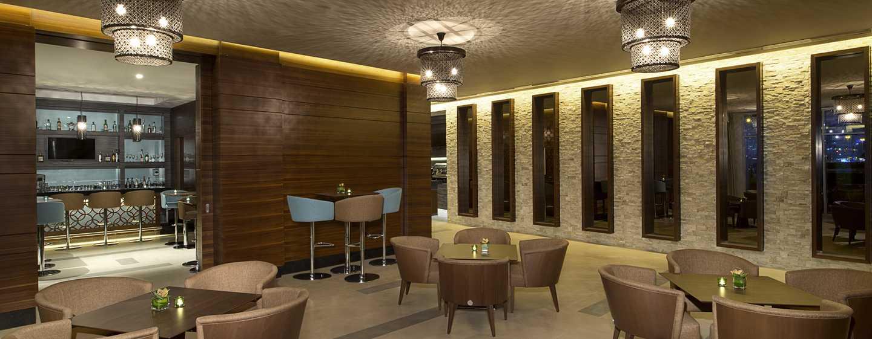 Hilton Garden Inn Dubai Al Mina Hotel, VAE– Bar und Lounge