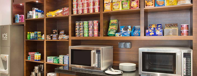 Hilton Garden Inn Dubai Al Mina Hotel, VAE– Pavilion Pantry