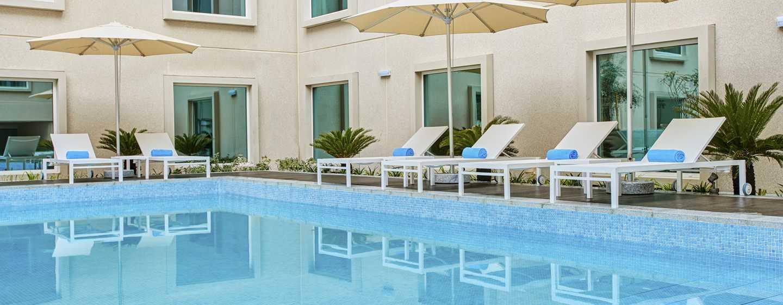 Hilton Garden Inn Mall of the Emirates Hotel, VAE – Infinity Außenpool