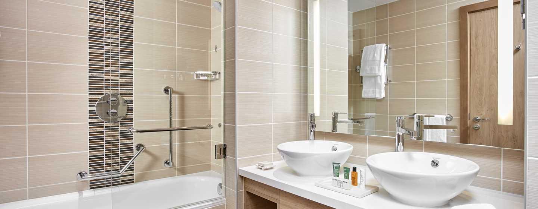 Hilton Garden Inn Mall of the Emirates Hotel, VAE – Badezimmer