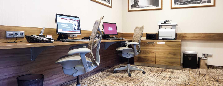 Gehen Sie ungestört im gut ausgestatteten Business Center Ihrer Arbeit nach