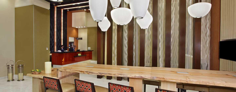 Hilton Garden Inn New York/Midtown Park Ave Hotel - Lobby