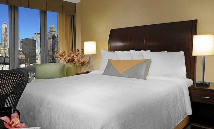 Hilton Garden Inn New York/West 35th Street, USA - King guestroom