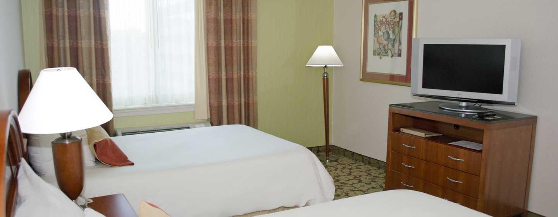 Hilton Garden Inn Philadelphia Center City Hotel, Pennsylvania, USA– Barrierefreies Zimmer mit zwei Doppelbetten und Roll-In Dusche