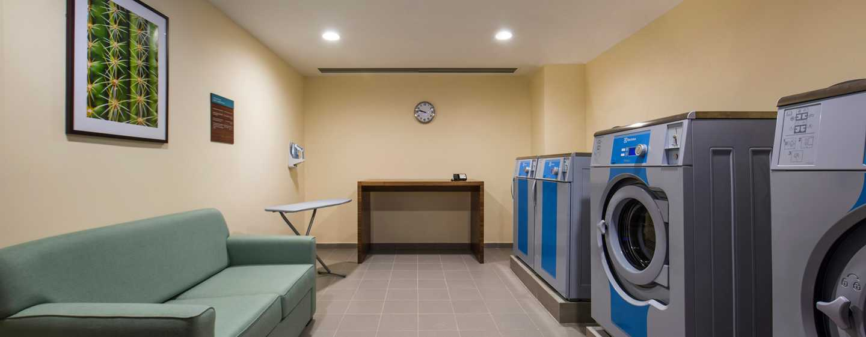 Hilton Garden Inn Ras Al Khaimah Hotel, VAE– Waschraum