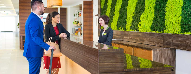 Hilton Garden Inn Ras Al Khaimah, VAE– Lobby