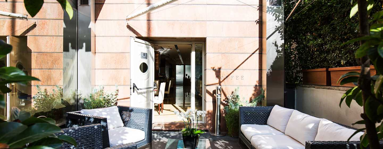 Hotel Hilton Garden Inn Rome Claridge, Italien– Terrasse