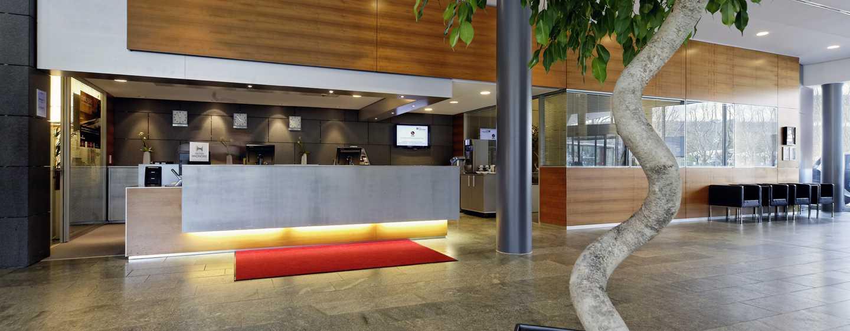 Hilton Garden Inn Stuttgart NeckarPark Hotel, Deutschland– Hotellobby