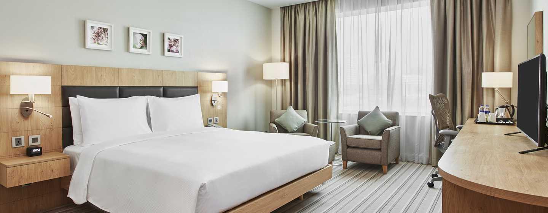 Hilton Garden Inn Wiener Neustadt, Österreich – Zimmer mit Kingsize-Bett