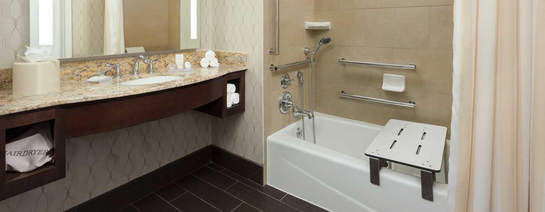 Hilton Garden Inn Washington DC/Georgetown hotel - Barrierefreies Badezimmer mit Badewanne