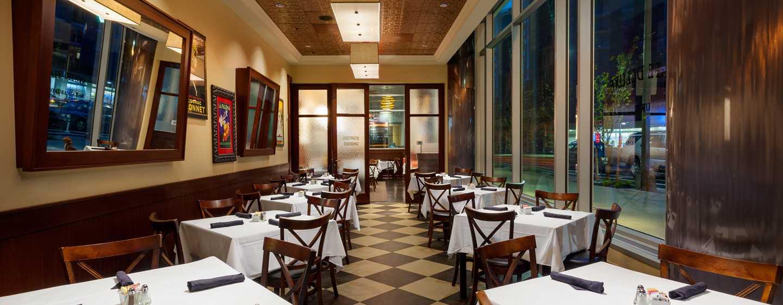 Hilton Garden Inn Washington DC/Georgetown hotel - Café Deluxe Bar