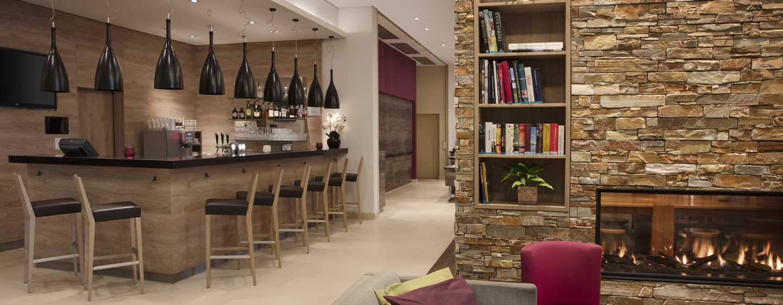 Hilton Garden Inn Davos Hotel, Schweiz– Bar und Lounge