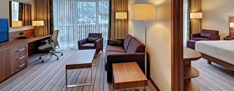 Hilton Garden Inn Davos Hotel, Schweiz – Junior Zimmer mit Kingsize-Bett