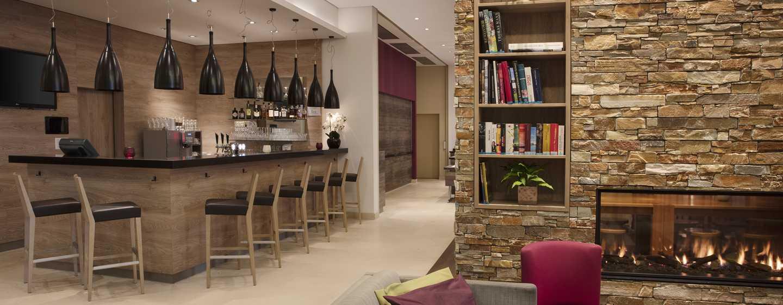 Hilton Garden Inn Davos Hotel, Davos, Schweiz– Bar und Lounge