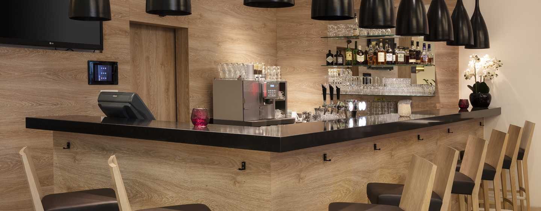 Hilton Garden Inn Davos Hotel, Davos, Schweiz– Lobby-Bar