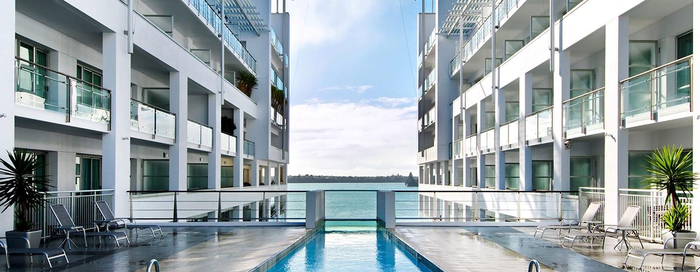 Hilton Auckland Hotel, Neuseeland– Bahnenbecken im Freien