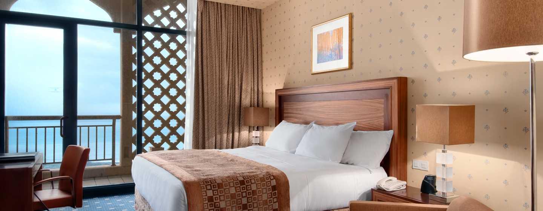 Hilton Algiers, Algerien – Deluxe Zimmer mit King-Size-Bett