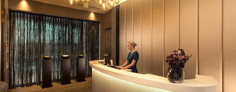 Hilton Amsterdam Airport Schiphol Hotel, Niederlande– Empfang des Spa