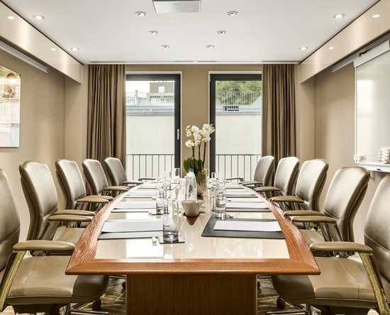 Hilton The Hague, Niederlande – Boardroom