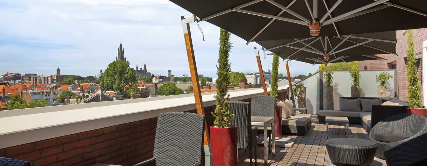 Hilton The Hague, Niederlande – Executive Lounge mit Terrasse