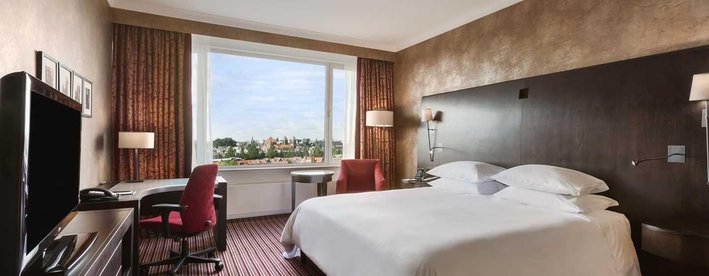Hilton Amsterdam Hotel, Niederlande– Deluxe Zimmer mit Kingsize-Bett