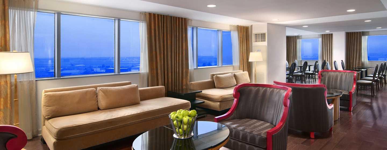 Hilton Atlanta Airport Hotel – Executive Lounge