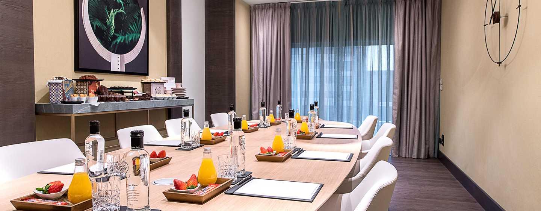 "Hilton Diagonal Mar Barcelona Hotel, Spanien – Erlebnis ""Boardroom"""