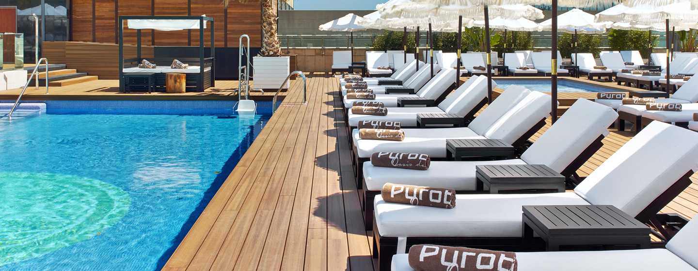hilton barcelona diagonal mar hotel barcelona strandhotels. Black Bedroom Furniture Sets. Home Design Ideas