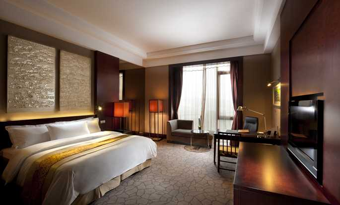 Hilton Beijing Capital Airport Hotel, China – Executive Zimmer mit King-Size-Bett
